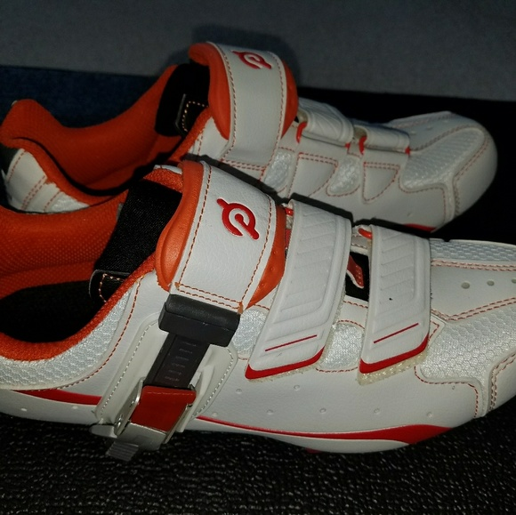 2e548b0de83 Peloton Shoes - Peloton Cycling Shoes - Size 40   men 7 women 9 Un